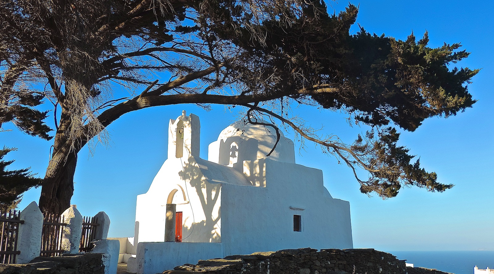 Churches-Sifnos-Miles-Away-Travel-02