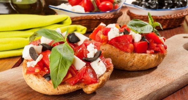 dakos-salad-with-feta-cheese-tomato-and-olives